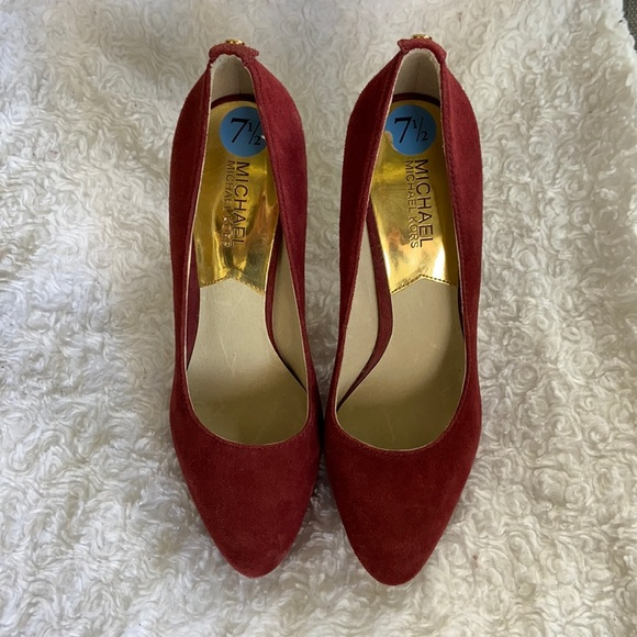New Micheal kors suede wine red pump 7.5